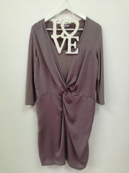 Дамска рокля в цвят пепел от люляк